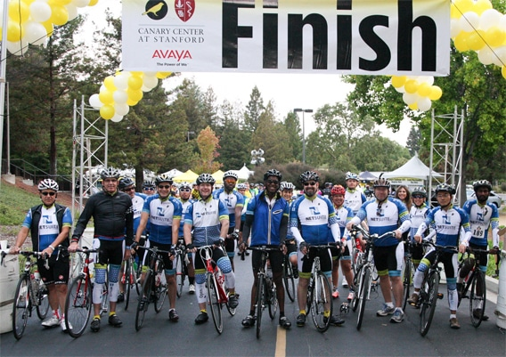 Netsuite employees line up at the start line for the Canary Challenge.